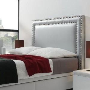 Мягкое изголовье кровати с декором — Ателье по коже