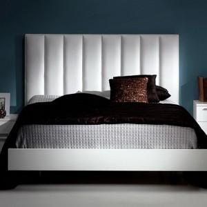 Двуспальная кровать с мягким изголовьем — Ателье по коже Чебоксары