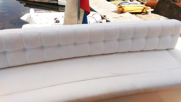 Перетяжка сиденья дивана яхты - Ателье по коже
