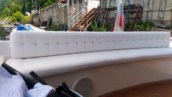 Перетяжка дивана яхты - Ателье по коже
