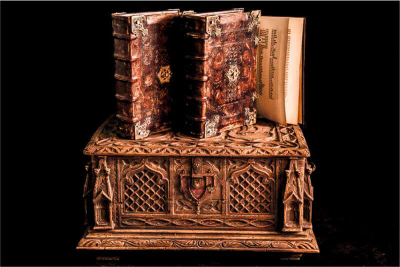 Библия Гутенберга три тома - Ателье по коже Чебоксары