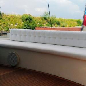 Перетяжка дивана на катере - Ателье по коже