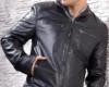 Мужская кожаная куртка с втачными карманами