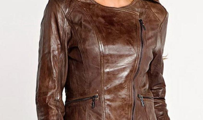 Женская коричневая куртка косуха из кожи