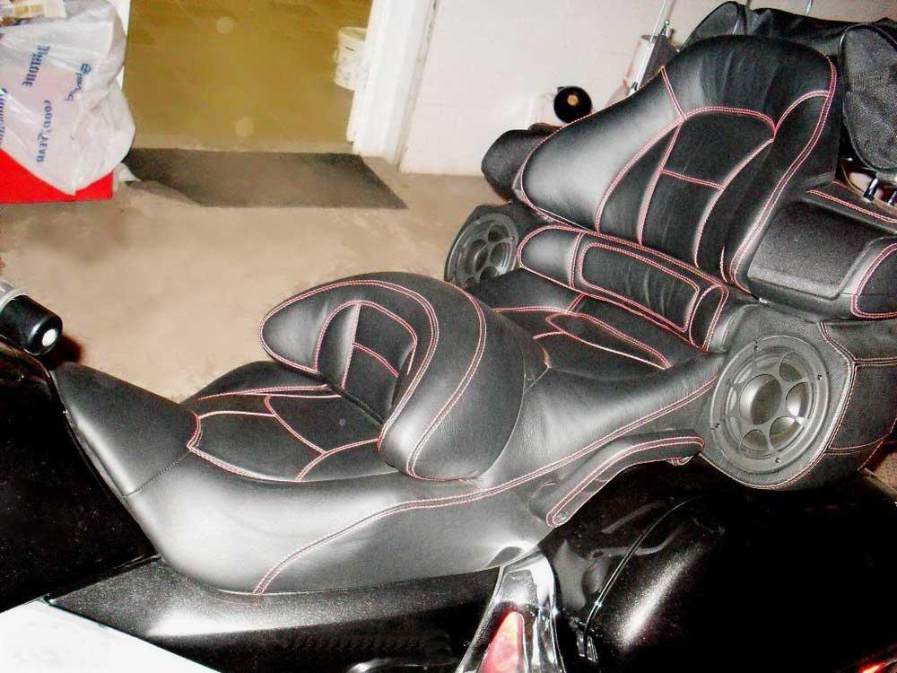 Перетяжка сидений мотоцикла — Ателье по коже