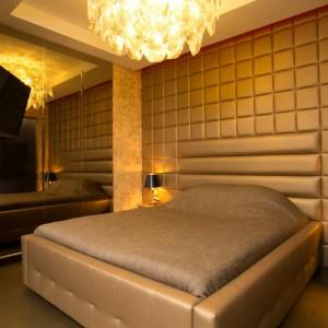 Мягкое изголовье кровати и стеновая панель — Ателье по коже
