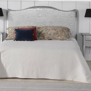 Фигурное мягкое изголовье кровати — Ателье по коже